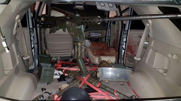 En el interior de su Hummer, Rafaat tenía un arma de grueso calibre con la que intentó repeler el ataque. Presuntamente Javis Pavão fue el responsable de su muerte