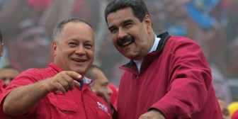 Nicolás Maduro y Diosdado Cabello juegan béisbol mientras la población civil protesta