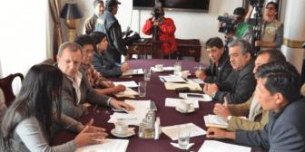 """UD: el MAS usará a la Universidad Boliviana como """"florero""""; Montaño: opositores son """"flojos"""""""