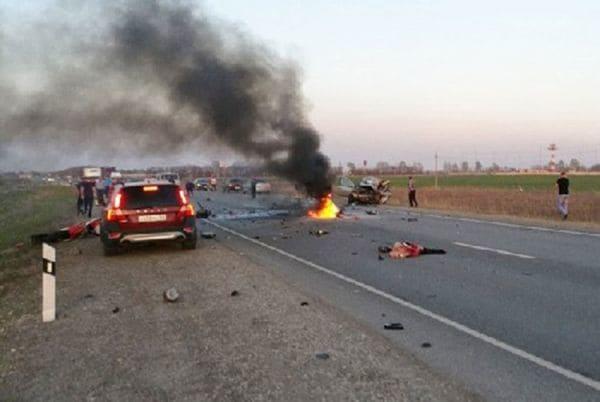 Hermanos motoqueros se mataron en picada en plena autopista