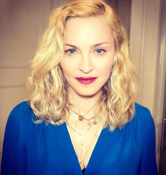 Madonna comparte fotos al desnudo