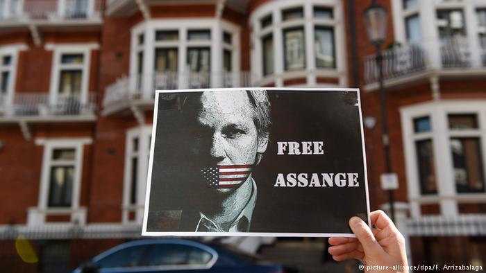 London ecuadorianische Botschaft Julian Assange (picture-alliance/dpa/F. Arrizabalaga)