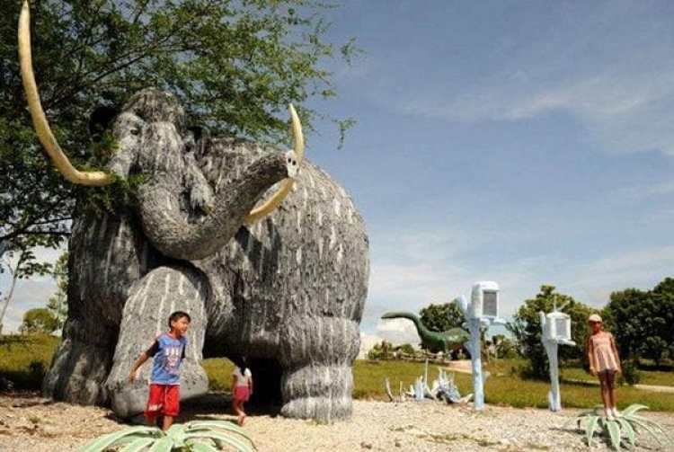 """El mamut tamaño natural que Escobar le pidió a un conocido artista de Medellín a quien todos llamaban """"el Diablo"""""""