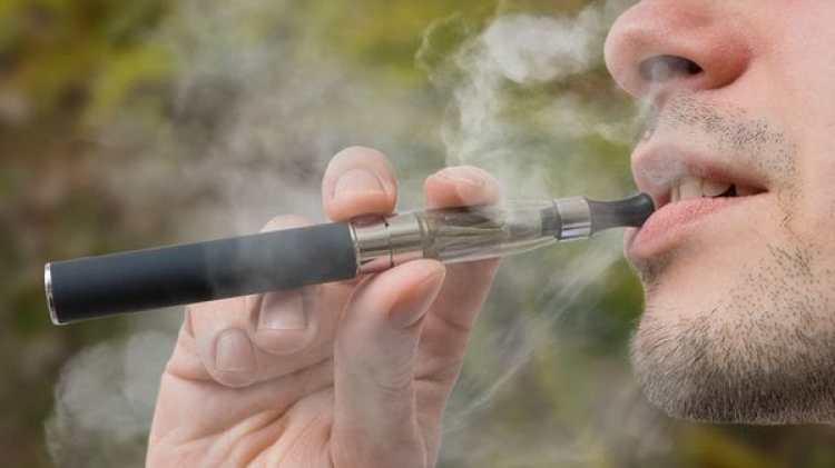 El cigarrillo electrónica continuará siendo legal (IStock)
