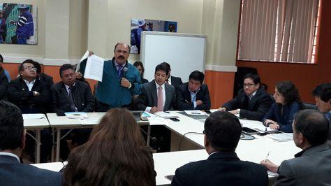 Reunión entre representantes de Colegio Médico de Bolivia y la ministra de Salud, Ariana Campero. Foto: Ángel Guarachi.