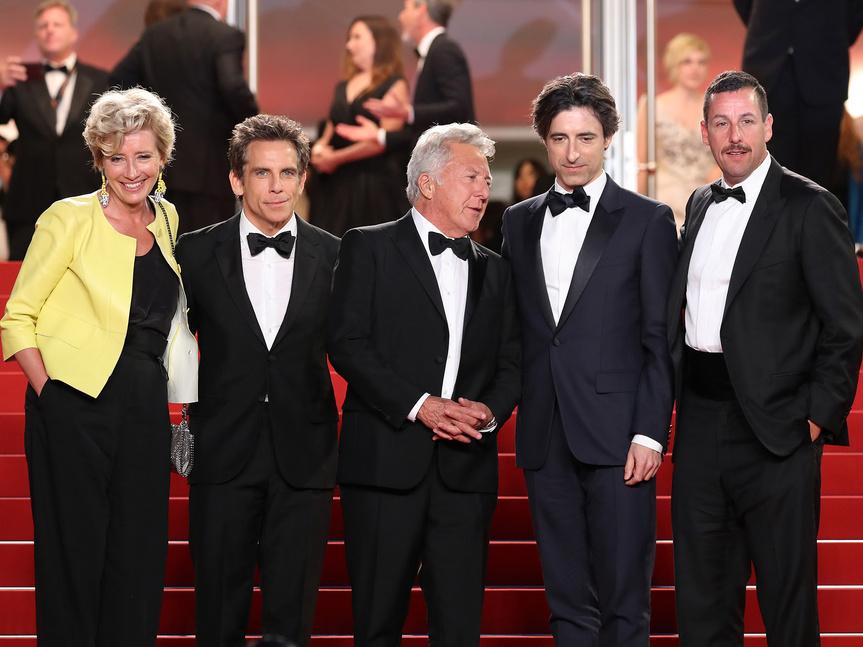 El reparto de The Meyerowitz Stories, junto a su director, Noah Baumbach, en el estreno de la película ayer en Cannes.