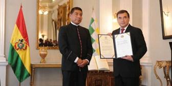 Posesionan a ex ministro Quintana como embajador en Cuba