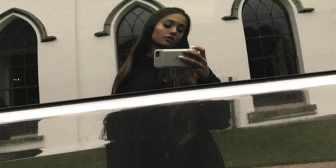 Los conmovedores mensajes de los fanáticos a Ariana Grande tras el atentado en Manchester