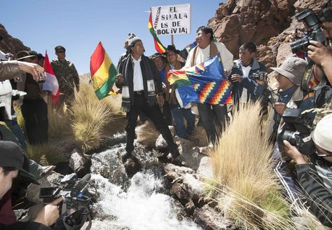 El presidente Evo Morales en los manatiales del Silala.