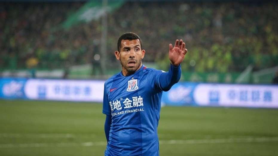 Los futbolistas chinos son como brutos — Carlos Tévez