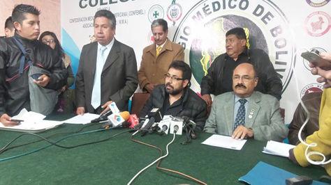 Médicos anuncian paro de 72 horas y Gobierno los califica de intransigentes