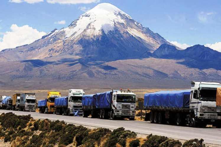 Resultado de imagen de camiones parados en Chile