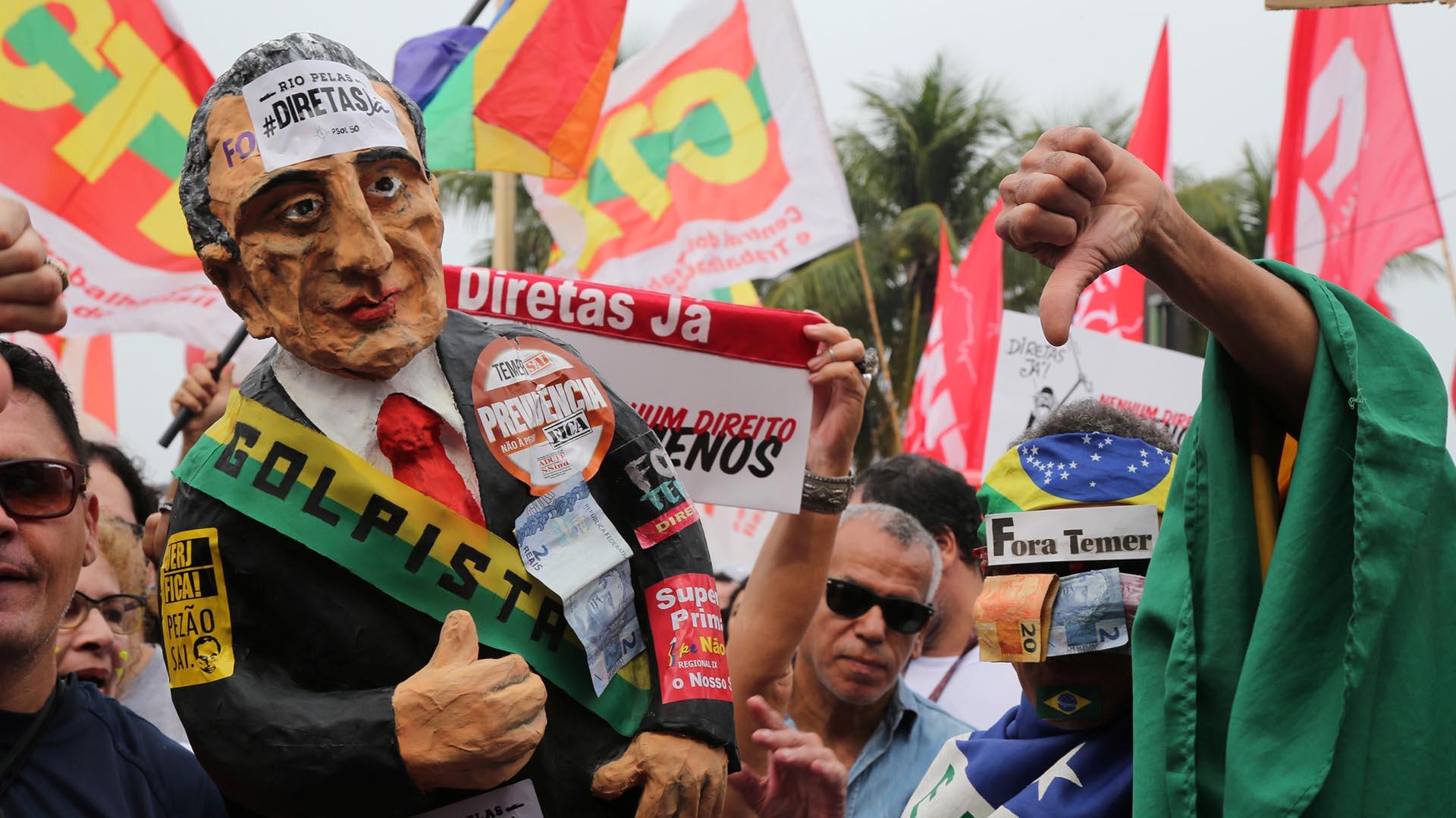 Miles de manifestantes se movilizaron en Río de Janeiro (Reuters)