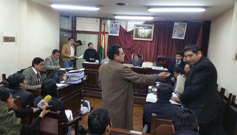 La audiencia cautelar de los cinco implicados en el proceso de contratación de trs taladros para YPFB. Foto: La Razón