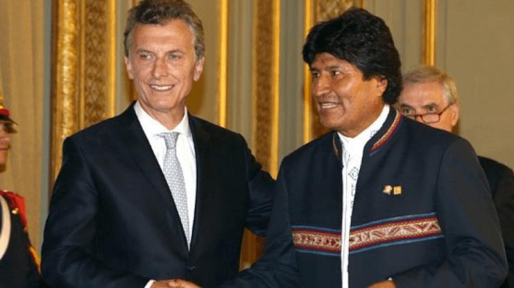 Morales se reúne con chileno despedido por repartir Libro del Mar boliviano