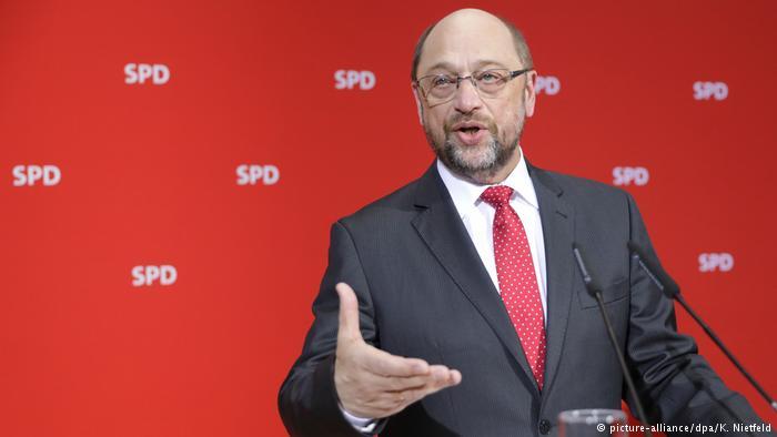 Deutschland Landtagswahl im Saarland - SPD-Vorsitzende Martin Schulz (picture-alliance/dpa/K. Nietfeld)