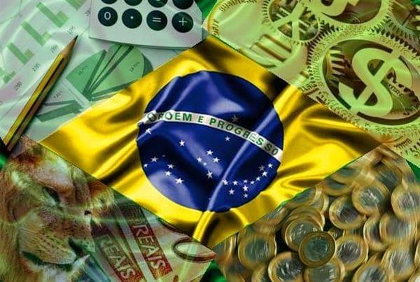 Destaca como positivo la introducción en Brasil de un sistema único (eSocial) que hace innecesario que las empresas envíen informes separados al Seguro Social, al Servicio de Rentas Internas y al Ministerio de Trabajo y Empleo