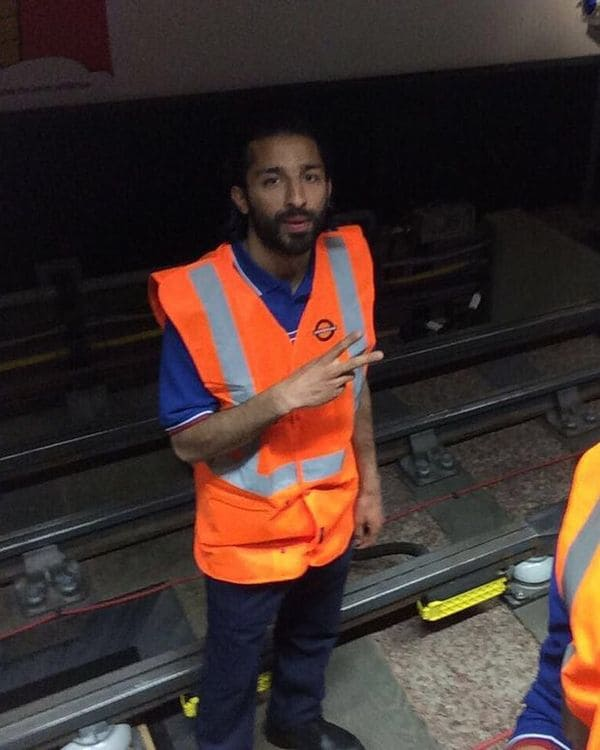 Khuram Shazad Butt en la estación de West Kensington