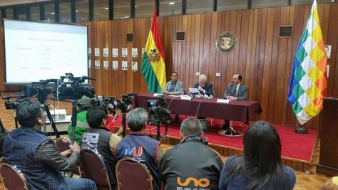 El Salvador paga primeras Letes a Bolivia