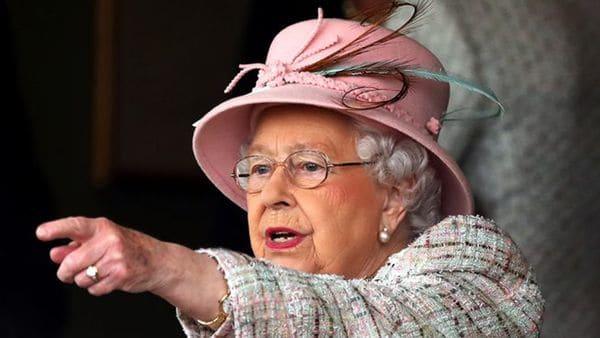 La reina Isabel II le dio a May su beneplácito paraformar gobierno