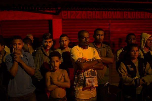 """Los profesores que se desempeñen en las favelas serán entrenados para la """"guerra"""" (AP)"""