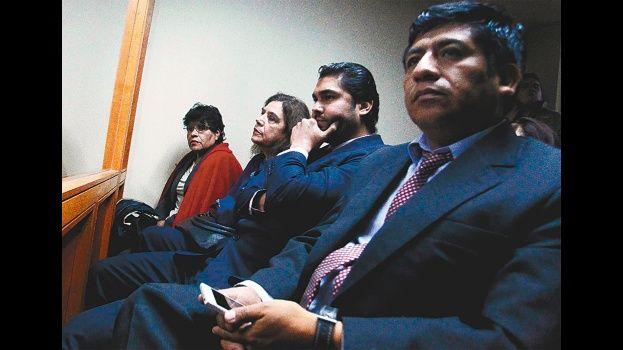 Funcionarios de Aduana pagaron la defensa de 9 bolivianos detenidos en Chile