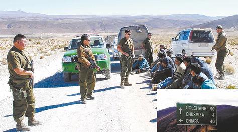 Detención. Una de las imágenes del acto de detención de los nueve bolivianos sentenciados la semana pasada a ser expulsados de Chile. Foto: APG archivo