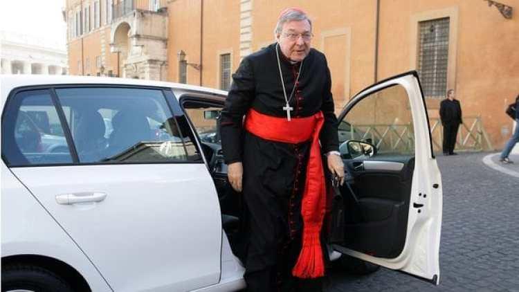 El cardenal australiano fue entrevistado por la policía de su país en octubre pasado en Roma (Getty Images)