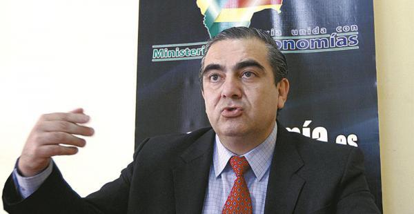 Resultado de imagen de - El viceministro de Autonomías, Hugo Siles,
