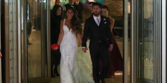 El casamiento de Messi: el beso de Lionel y Antonela en la alfombra roja