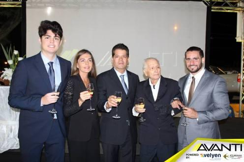 De Izq. a Der. Alejandro Tarabillo, Maisa Justiniano, Mario Tarabillo, Don Carlos Tarabillo y Carlos Tarabillo (nieto)