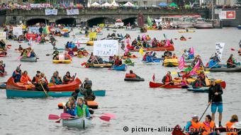 Protestwelle gegen den G20 Gipfel (picture-alliance/dpa/A. Heimken)