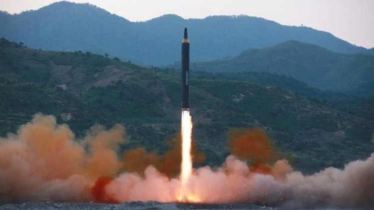El misil Hwasong-12 lanzado durante otro ensayo de Corea del Norte (Reuters)