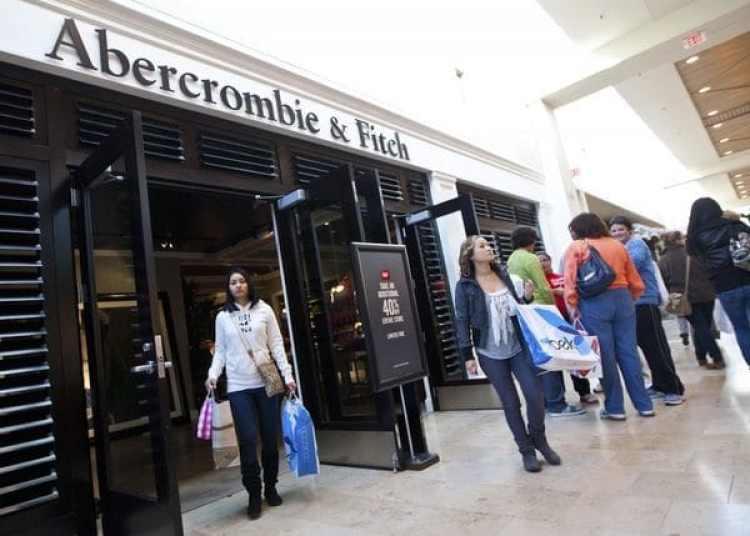 Abercrombie siempre se caracteriza por sus listas de reproducción con música moderna y bailable.