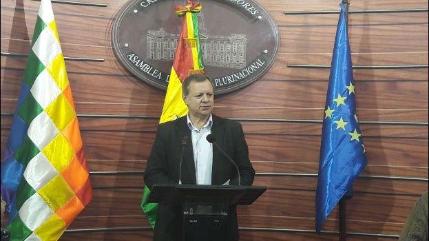 Llamados e intenso diálogo: La preocupación de Bachelet por la situación de los carabineros detenidos en Bolivia