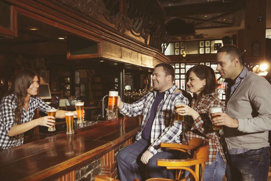 La cuenta, clara, y la cerveza, espesa. (iStock)