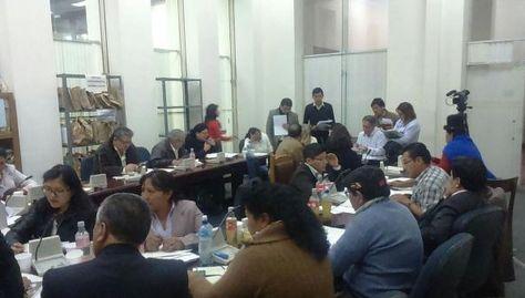 La Comisión Mixta de Justicia Plural, durante la evaluación de méritos de postulantes al Tribunal Agroambiental y Consejo de la Magistratura. Foto: Senado Bolivia