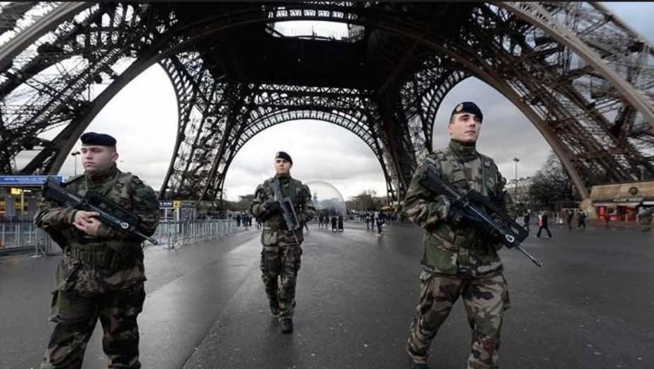 Ejército francés sorprende con insólito cuadro musical inspirado de Daft Punk