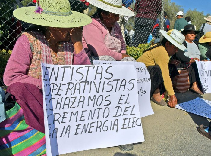 PROTESTAS CONTRA AUMENTO TARIFARIO SE DEJARON SENTIR EN VARIAS CIUDADES DEL PAÍS, AYER.