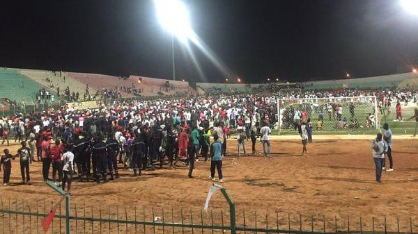 Al menos 9 muertos un campo de fútbol en Senegal