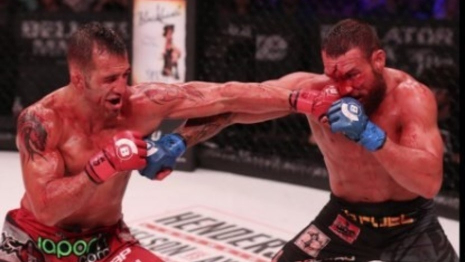 La pelea más sangrienta del año en las artes marciales mixtas — YouTube