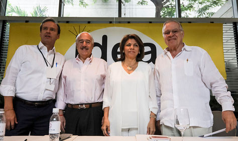 Los expresidentes Jorge Quiroga de Bolivia (i), Andrés Pastrana de Colombia (2i), Laura Chinchilla de Costa Rica (2d) y Miguel Ángel Rodríguez de Costa Rica (d) en rueda de prensa, Caracas (Venezuela).