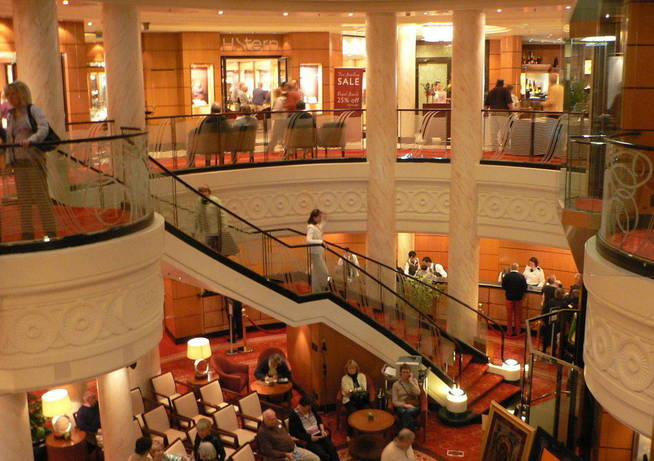 Interior del Queen Mary 2. (Creative Commons)