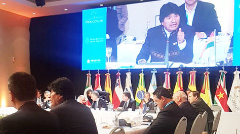 El presidente Evo Morales durante su intervención en la cita del Mercosur, en Argentina. Foto: @EmbolUruguay