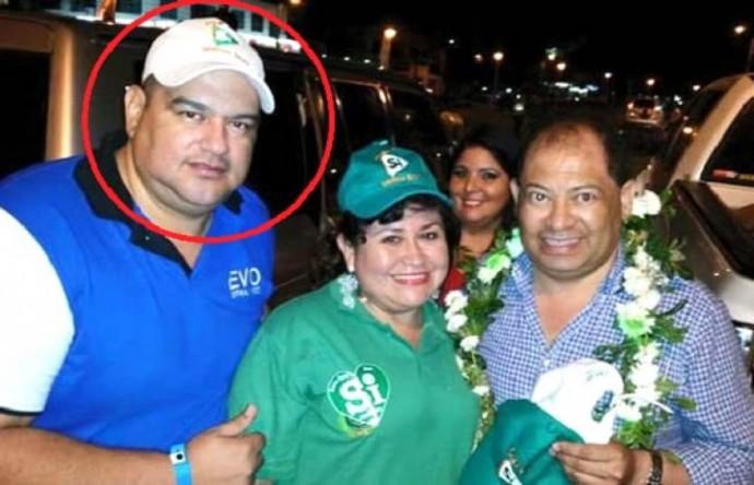 El actual ministro de Gobierno, Carlos Romero (d), aparece junto al supuesto y asesor del MAS. Foto: Redes Sociales