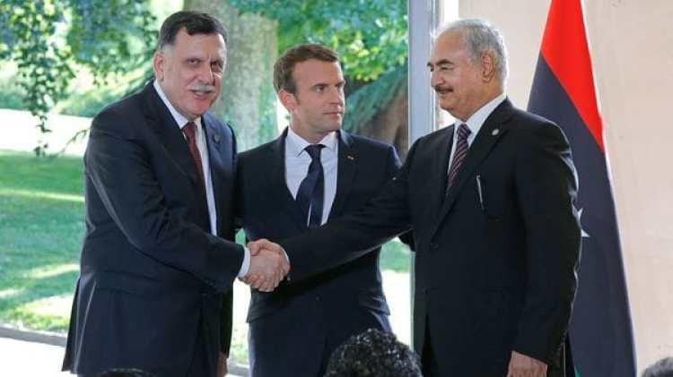El presidente Emmanuel Macron patrocinó la tregua entre los dos líderes libios (AP)