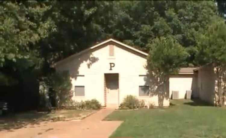 La casa a la que debía ir la policía. La P de Samuel Pearman, el hombre buscado, no alertó a las autoridades