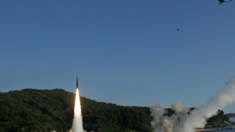 EE.UU. y Corea del Sur lanzan misiles balísticos en respuesta a la prueba de Corea del Norte