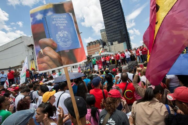 Gobierno de Argentina sugiere a sus ciudadanos que no viajen a Venezuela