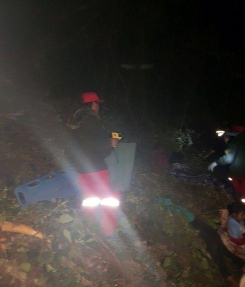 Accidente de bus en vía Cochabamba - Santa Cruz deja 8 muertos
